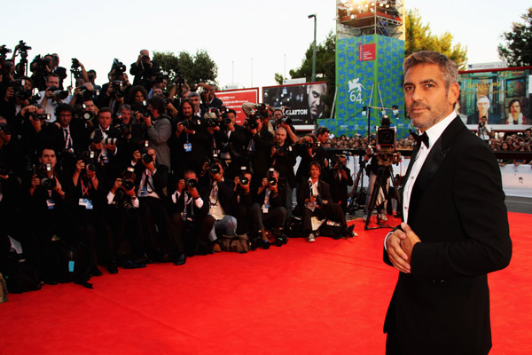 Geoorge Clooney attends the Michael Clayton premiere in Venice Italy