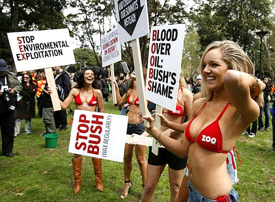 protest_against_bush_boobs.jpg