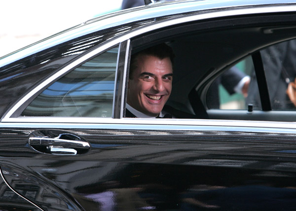 chris noth on the set of Sex and the City: The Movie крис нот съемки секс в большом городе