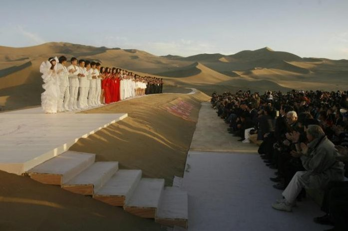 pierre cardin fashion show in desert in china