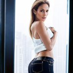 Дженифер Лопес в рекламе одежды J.Lo by Jennifer Lopez