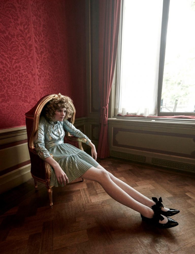 Интересное со всего света - Page 3 Alice-Wonderland-Vogue-Netherlands-Editorial05-768x999