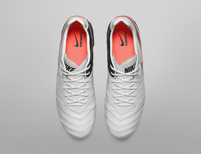 Nike_Football_TIEMPO_LEGEND_D_original.jpg