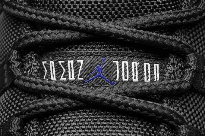 Air_Jordan_XI_7_original.jpg