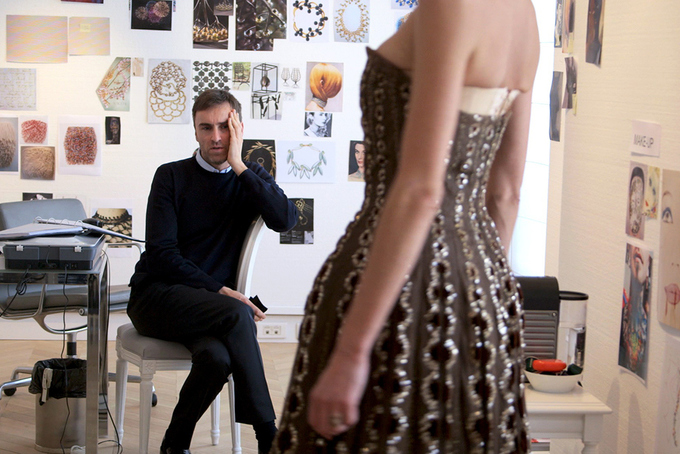 5_Fashion_Films_Dior_and_I_1.jpg