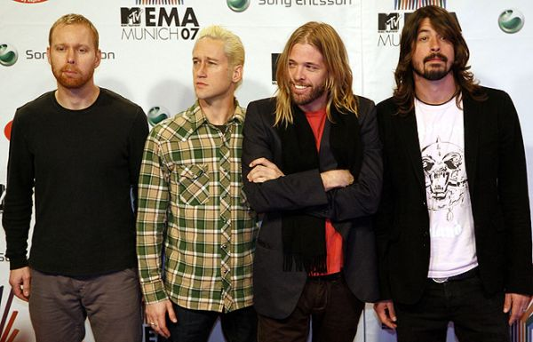 foo fighters mtv europe music awards 2007 with dave grohl