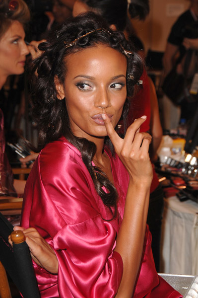 victoria's secret 2007 - selita ebanks - селита ибэнкс - backstage