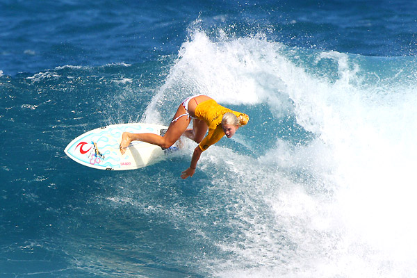bethany hamitlon surfing contest in hawaii