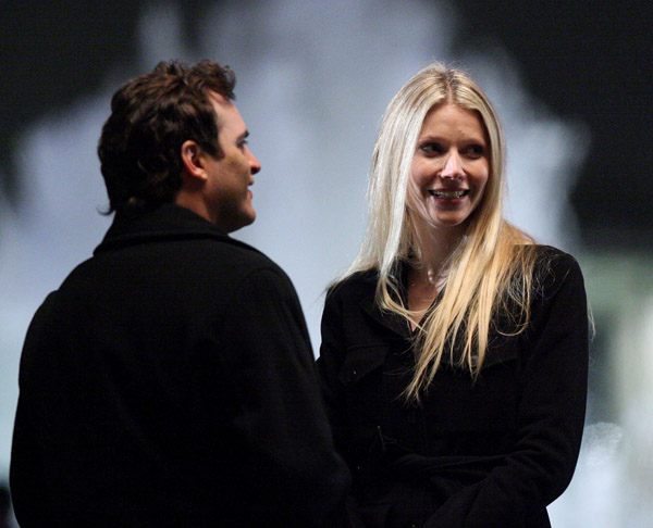 joaquin phoenix and gwyneth paltrow on location two lovers