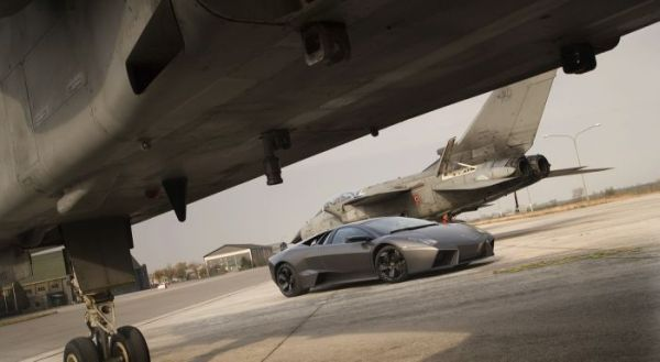 tornado fighter jet wins against lamborghini reventon