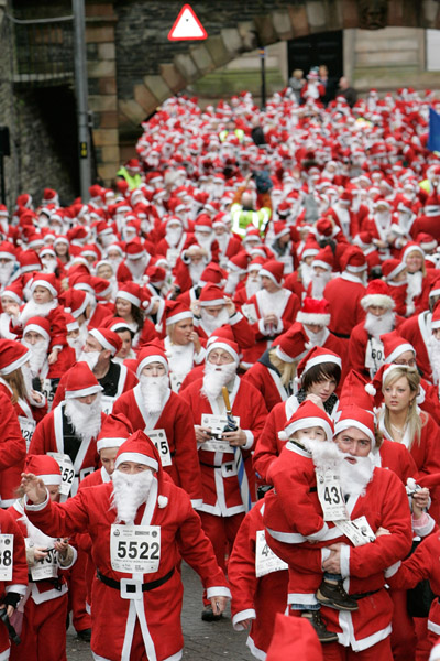 guiness world record santa-claus gathering in one place
