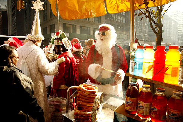 santa claus gather in new york