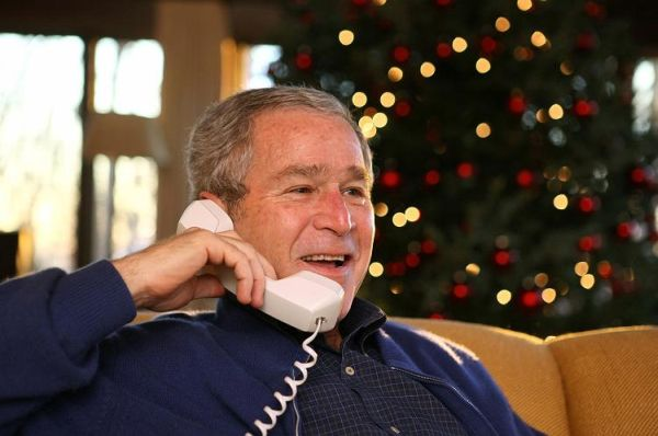 christmas_bush_phonetalk_with_soldiers.jpg