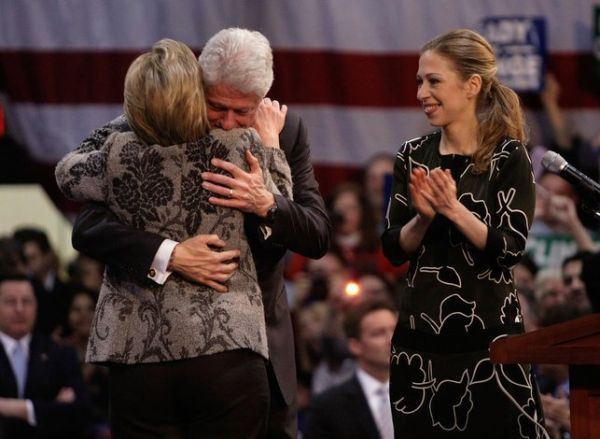 Hillary Rodham Clinton, Bill Clinton & Chlesea Clinton celebrating victory in New Hampshire