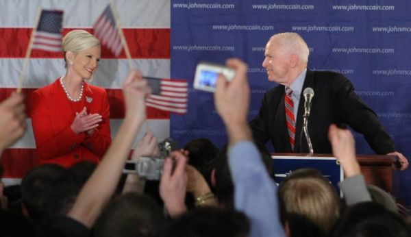 john mccaine and cindy mccaine celebrating victory in new hampshire