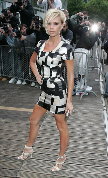 victoria_beckham_blackandwhite_dress.jpg