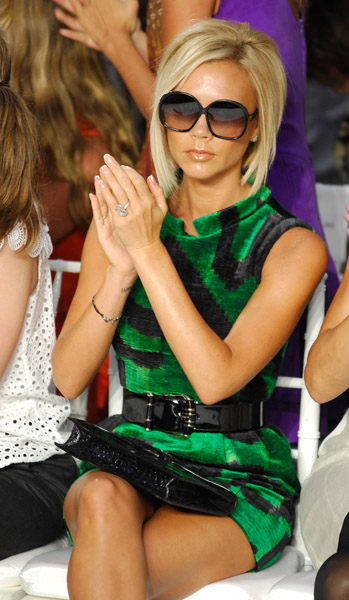 victoria_beckham_greendress2.jpg