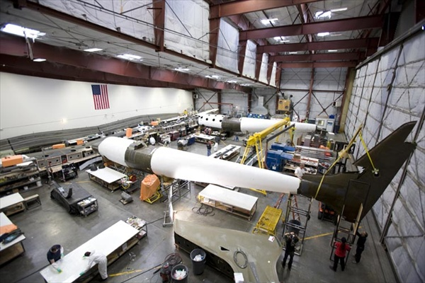 spaceshiptwo07_construction.jpg