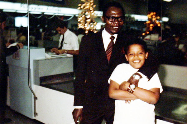young barack obama with his dad