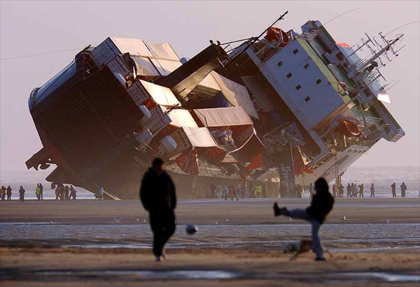 Amazing picture of the ferry that ran aground in Blackpool