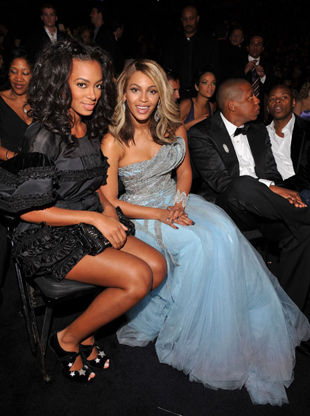 beyonce and solange knowles at grammy awards audience