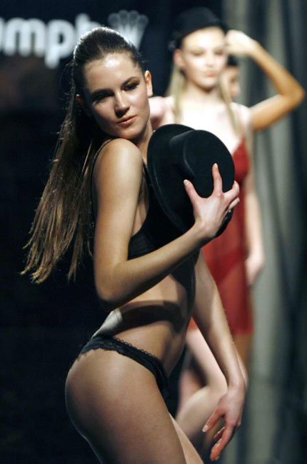 beirut_fashion_week_triumph_lingerie06.jpg