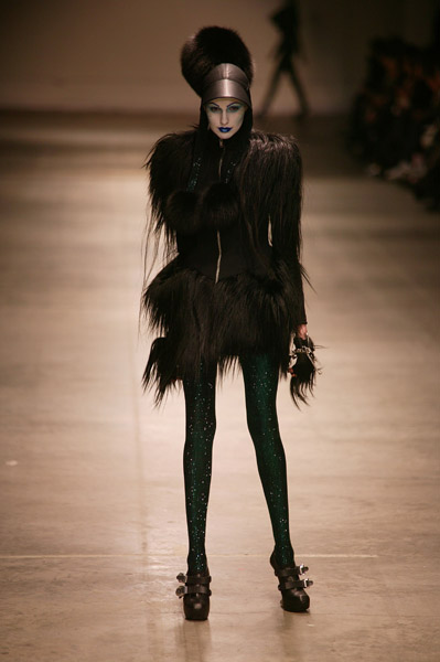 Gareth Pugh - London Fashion Week A/W 2008/09 - Runway