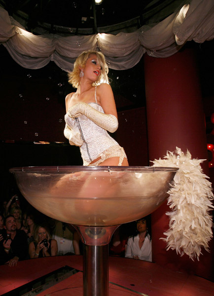 paris_hilton_birthday09.jpg