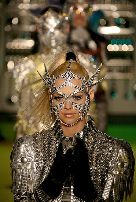 Manish Arora Fall/Winter 2008/09 women?s ready-to-wear fashion show