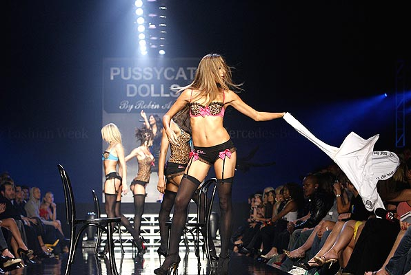 pussycatdolls_robin_antin_la_fashion_week05.jpg