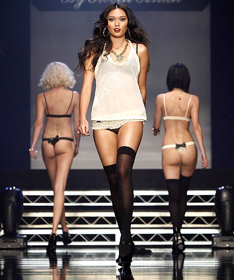 pussycatdolls_robin_antin_la_fashion_week13.jpg