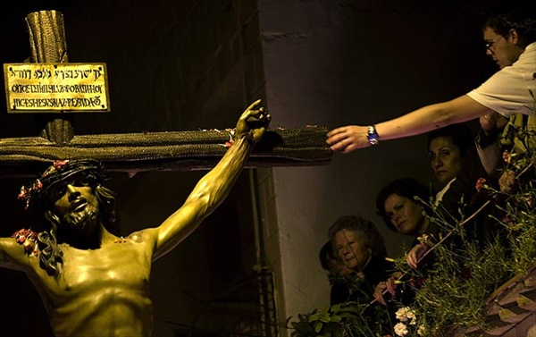 Католики празднуют Страстную Неделю, город Альмерия, Испания - Holy Week in Almeria Spain