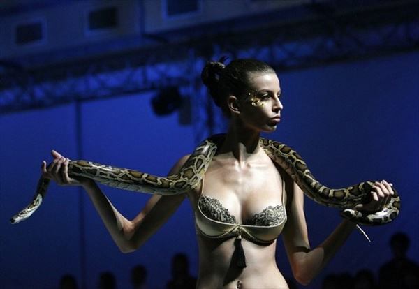 Triumph International, Singapore Fashion Festival - models with snakes on their shoulders