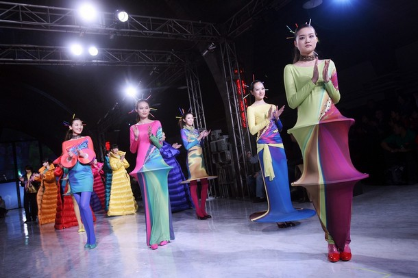 pierre cardin presents his new collection at china fashion week in beijing