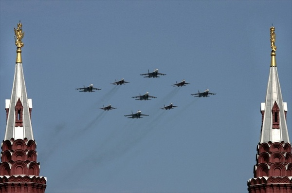 9may_victorydayparade_aviation03.jpg