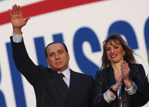 alessandra_mussolini_rally_with_berlusconi03.jpg