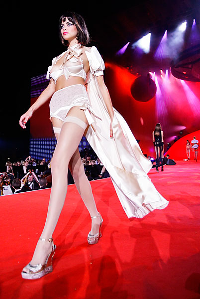 agent_provocateur_lifeball_show06.jpg