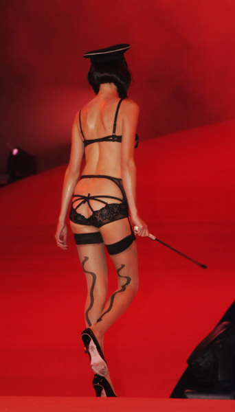 agent_provocateur_lifeball_show32.jpg