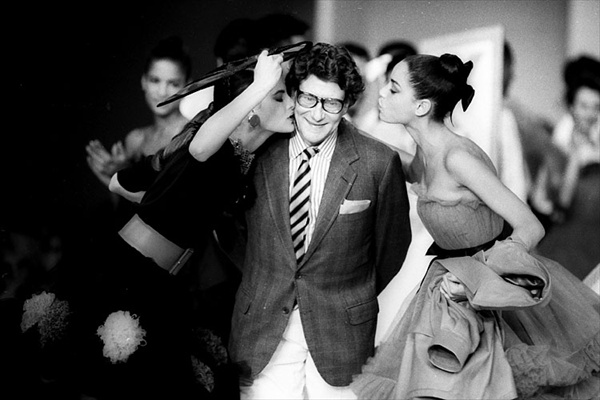 Кутюрье Yves Saint Laurent, 1987 год