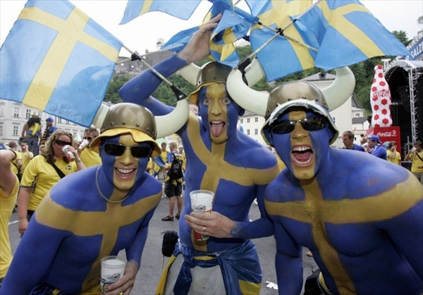 sweden_greece_match_swedish_fans.jpg