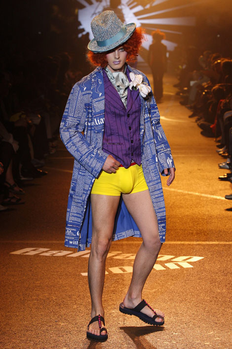 john_galliano_menswear_paris_fashion_week07.jpg
