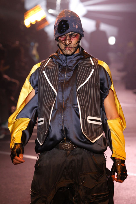 john_galliano_menswear_paris_fashion_week08.jpg