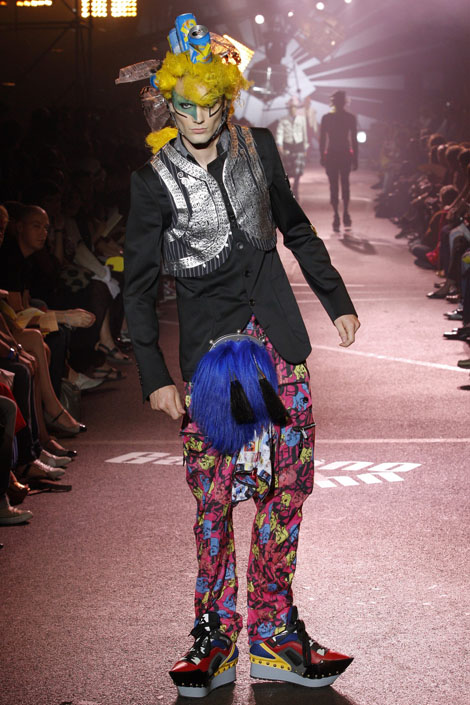 john_galliano_menswear_paris_fashion_week10.jpg