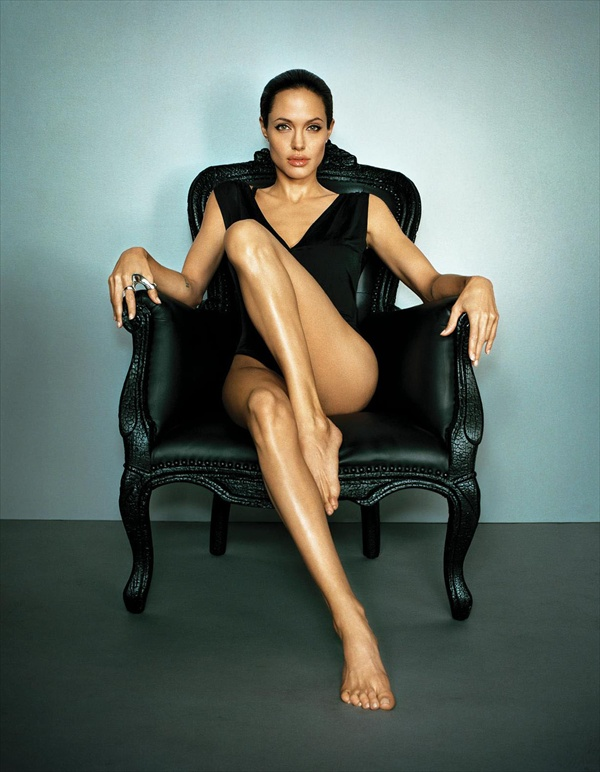 angelina jolie photoshoot by marc hom 2007