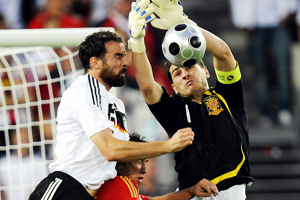 euro2008_allstar_iker_casillas_spain.jpg
