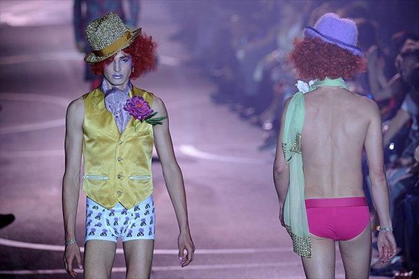 galliano_for_men_paris_fashion_show11.jpg