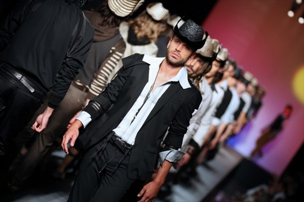 jeanpaul_gaultier_paris_mens_fashion_week08.jpg