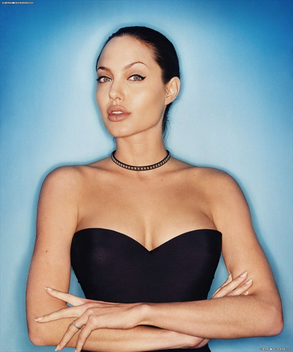 angelina_jolie_by_david_lachapelle01.jpg