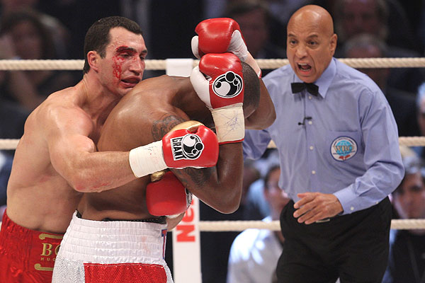 Vladimir Klitschko against Tony Thompson