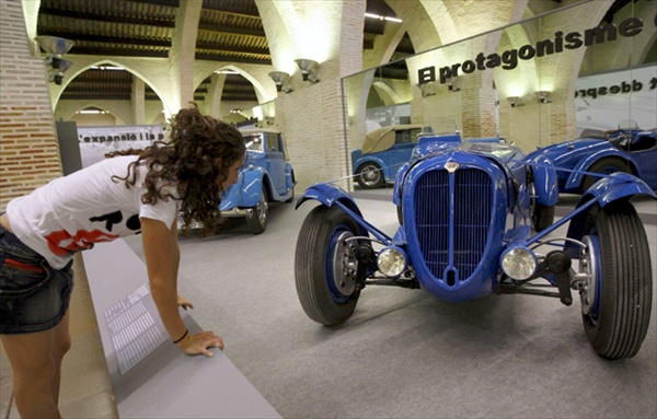 vintage cars exhibition in valencia spain